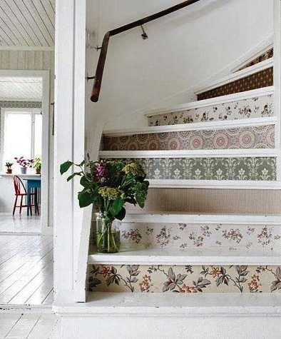 Voll im Trend sind Tapeten für die Setzstufen. FOTO: WUNDERWEIB