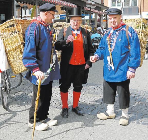 Die traditionellen Kiepenkerle dürfen beim Pottbäckermarkt natürlich nicht fehlen.