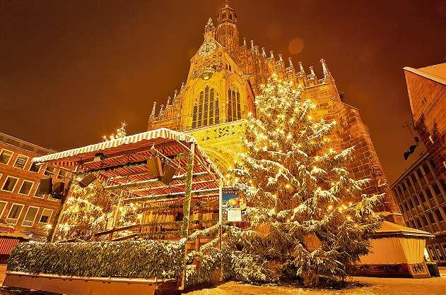 Besinnliche Vorweihnachtszeit in Tirol FOTO: FOTOLIA/THIEMO WENKEMANN