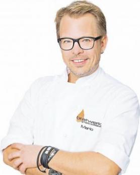 Neueröffnung mit Sternekoch Mario Kotaska: Grevener Frischwerk Tankstellenshop bietet von frischen Broten über Currywurst und Schnitzel bis hin zu Kuchen Image 3