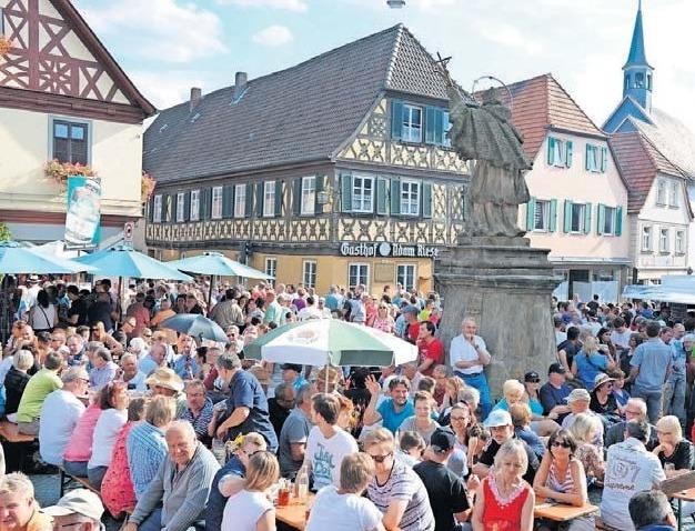 Zum 10. Mal lädt die Kurstadt am Mittwoch auf den historischen Marktplatz zum Bierbrauerfest ein. Fotos: Kur & Tourismus Service Bad Staffelstein