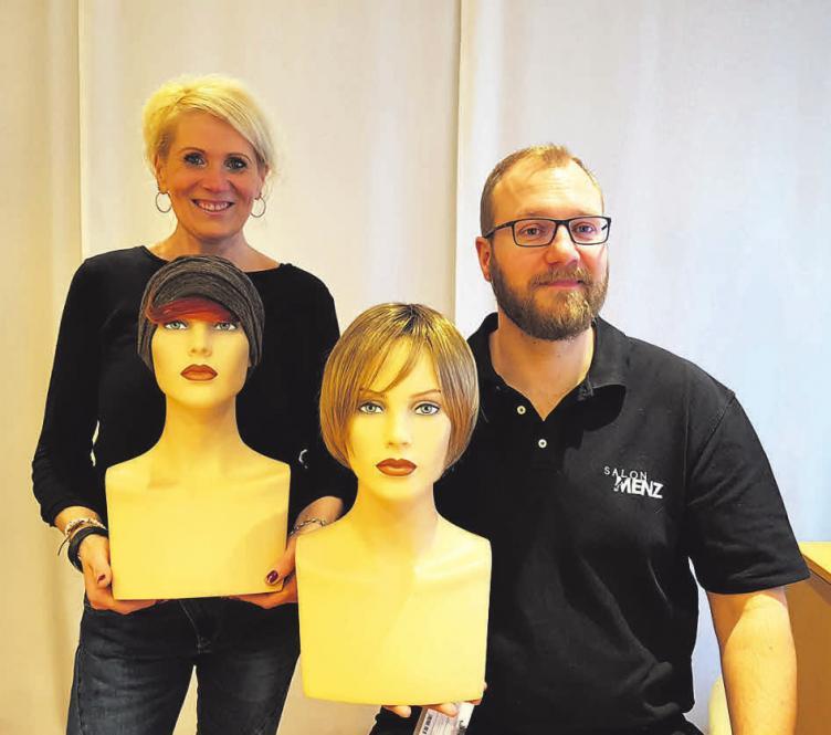 Ihre Profi's für Haarersatz: Friseurin Bettina Köhler-Heine und Friseurmeister Markus Menz
