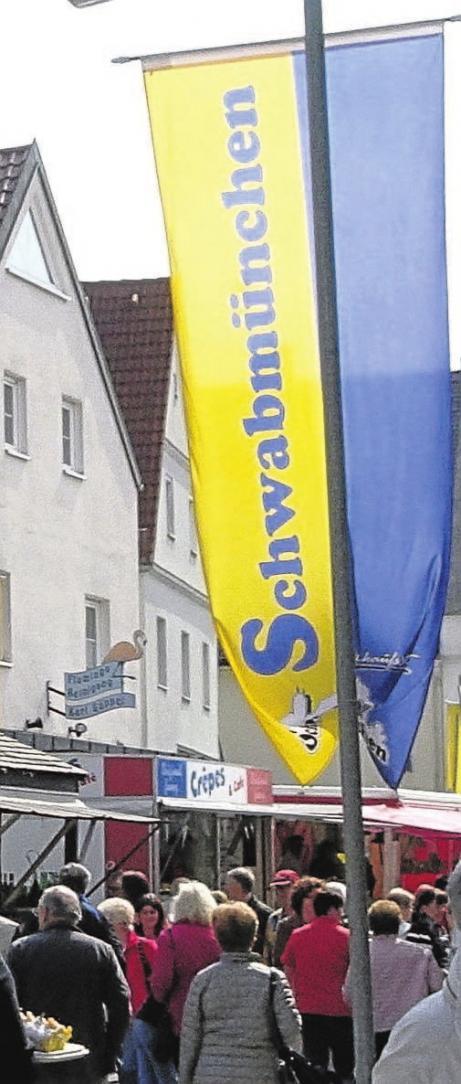Mehr als 10 000 Menschen bum- meln am Wochenende wieder durch die Schwabmünchner Straßen.