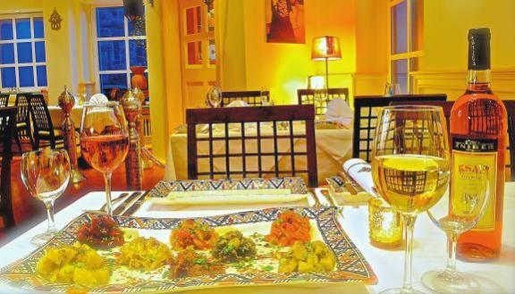 Mit viel Kreativität und Können sorgt das Küchenteam des Klein Marrakesch für authentischen Genuss. Foto: pd