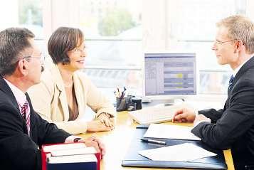 Nutzen Sie die Erfahrungen eines Anwalts, bevor Sie sich für eine Rechtschutzversicherung entscheiden Foto: BStBK