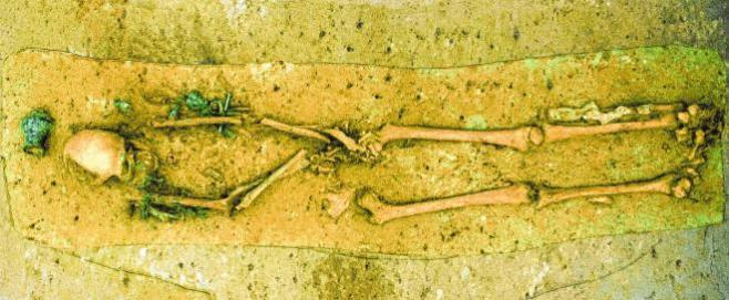 2010 wurde in Speyer bei Grabungen am Diakonissenkrankenhaus die Bestattung eines spätrömischen Offiziers freigelegt. BILD: GDKE