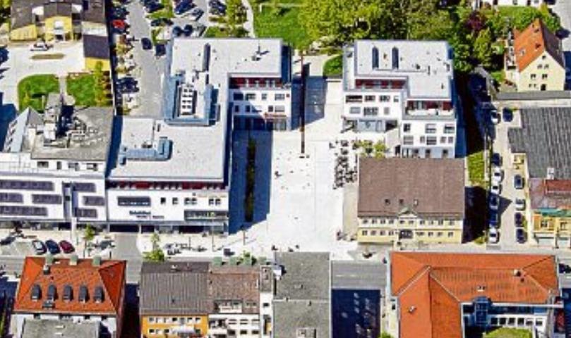 Neue Mitte 2014: Bei der Neuplanung wurde darauf geachtet, dass auf die bisherige Bebauung und den liebenswerten Charakter der Stadt Rücksicht genommen wurde. Foto: Museum Schwabmünchen
