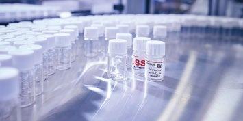 Etikettierer für die Pharmaindustrie Image 1