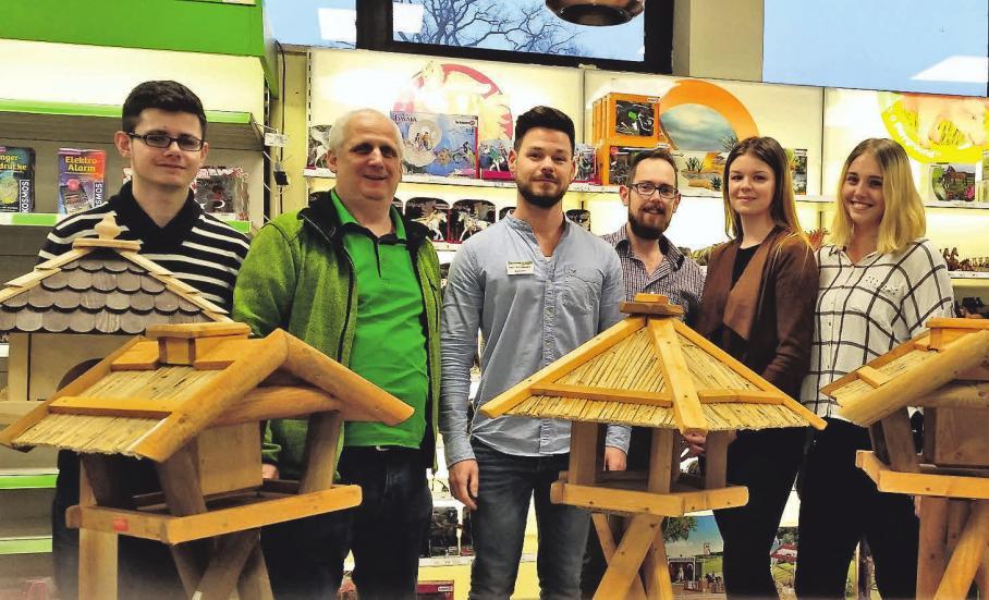 Das Team des Uetzer Raiffeisenmarktes hält neben Tier- und Vogelfutter eine Fülle an Geschenkideen parat.