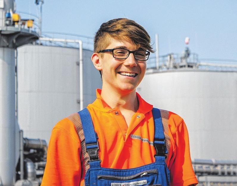 Jaron Bläsing macht bei den Entsorgungsbetrieben der Hansestadt Lübeck eine Ausbildung zum Elektroniker.
