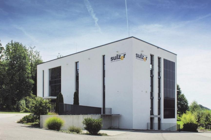 Beim Bau des eigenen Firmengebäudes in Vogt im Jahre 2013 lag der Familie Sulzer die Förderung des Umweltschutzes sowie die Ressourcenschonung am Herzen.FOTOS: JANA WILLSCH