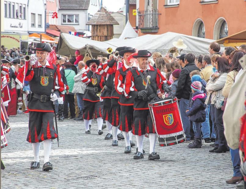 Der große historische Festumzug durch die Innenstadt beginnt am Sonntag um 13 Uhr. ARCHIVFOTO: THOMAS SIEDLER