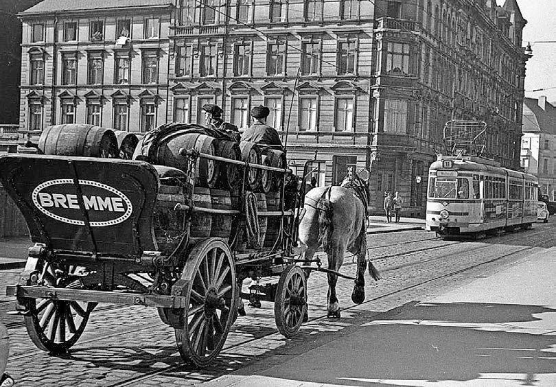 In den 30er Jahren wurde das Bier noch per Pferdekutsche – wie hier bei Bremme – zu den im ganzen Stadtgebiet verteilten Verkaufsstellen gebracht, erinnert sich Walter Caska. Foto: Historisches Zentrum