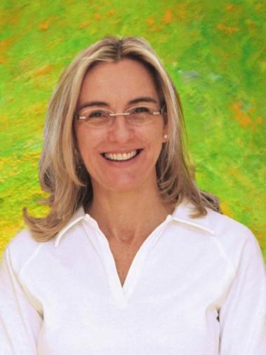 Dr. Kerstin Polster D.M.D. hat an der Tufts University in Boston (USA) studiert und freut sich auch auf englischsprachige Patienten.