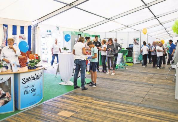 Auf der Messe präsentieren sich über 130 Aussteller mit ihren Produkten und Dienstleistungen. Die Aussteller zeigen sich sowohl in den Zelten als auch auf dem großzügigen Außengelände. Jessica Pesch Fotografie (2)
