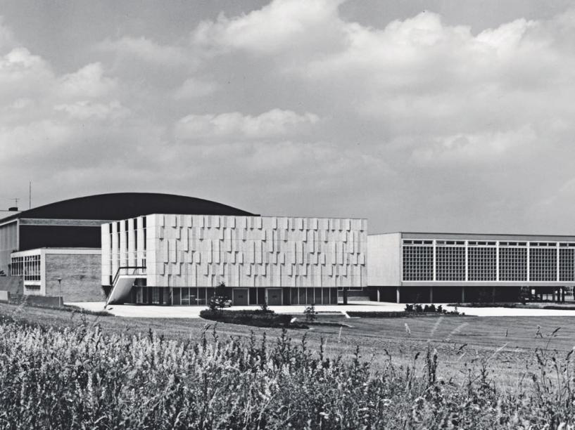 Der Wolfsburger CongressPark von der Braunschweiger Straße aus gesehen.Foto: Schlesinger