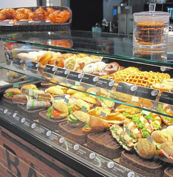 Eine leckere Auswahl an Backwaren in der Frischwerk-Bäckerei.