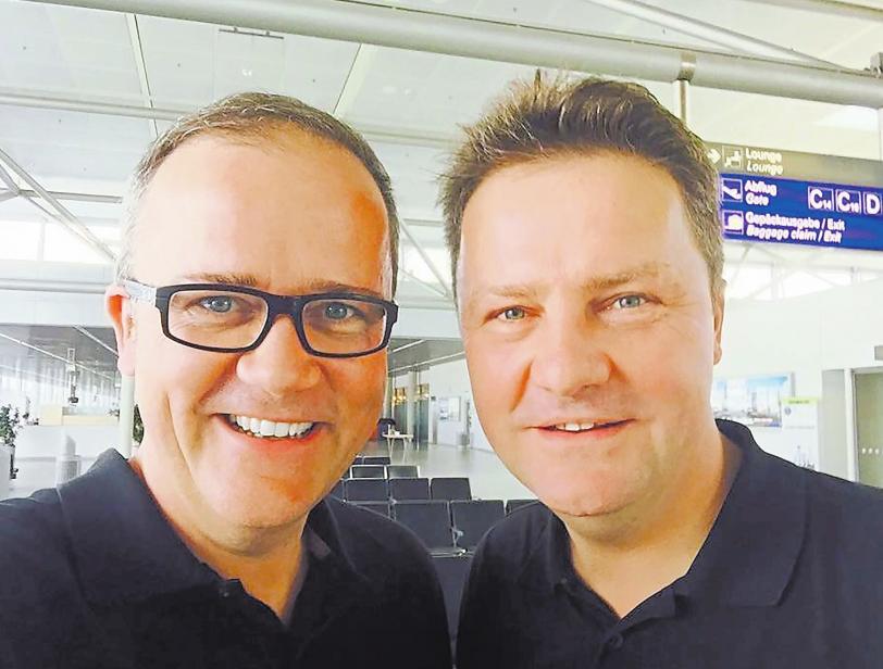 Holger (l.) und Oliver Palstring machen ihren Betrieb fit für die Zukunft – und setzen mit der Digitalisierung neue Maßstäbe in ihrer Branche..