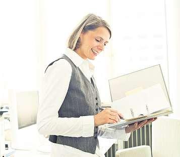 Angehende Industriekauffrauen sollten organisatorische Fähigkeiten, Durchsetzungsvermögen und Verhandlungsgeschick mit in den Beruf bringen Foto: Agentur für Arbeit