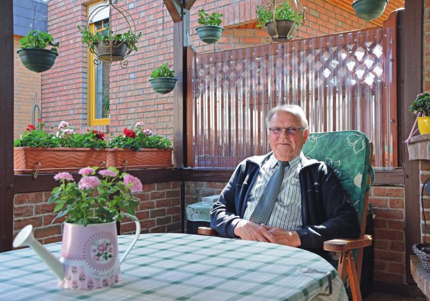 Die Terrasse in seinem Garten zählt Martin Milkereit zu einem seiner Lieblingsorte.