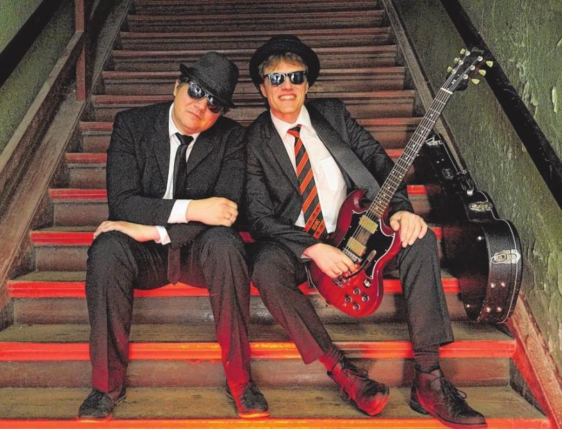 """Henrik Reinold alias Henry Hit und Andreas Adler alias Andy Skip begeistern als """"Hit-Skip"""" das Publikum. FOTOS: CITTI-PARK"""