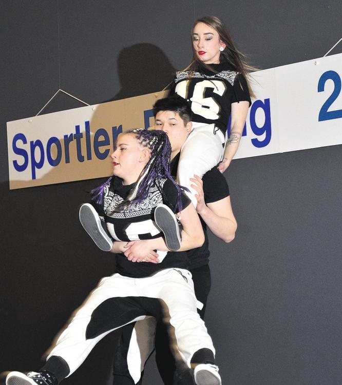 Für den Rahmen der Veranstaltung wurde unter anderem mit einer beeindruckenden Tanzvorführung gesorgt. Fotos: Müller