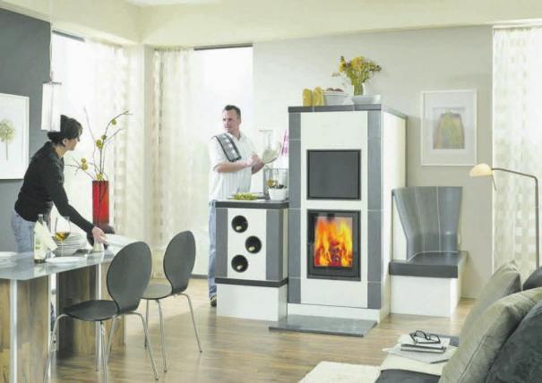 Moderne Feuerstätten lassen sich in jeden Raum und Wohnstil integrieren. Foto: AsK – Arbeitsgemeinschaft der deutschen Kachelofenwirtschaft