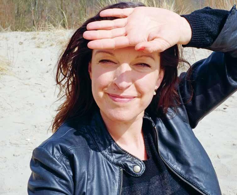 """Schauspielerin, Persönlichkeitstrainerin, Autorin aus Hamburg: Ihr zweiter Roman """"Die Architektur des Knotens"""" ist soeben bei Kunstmann erschienen"""