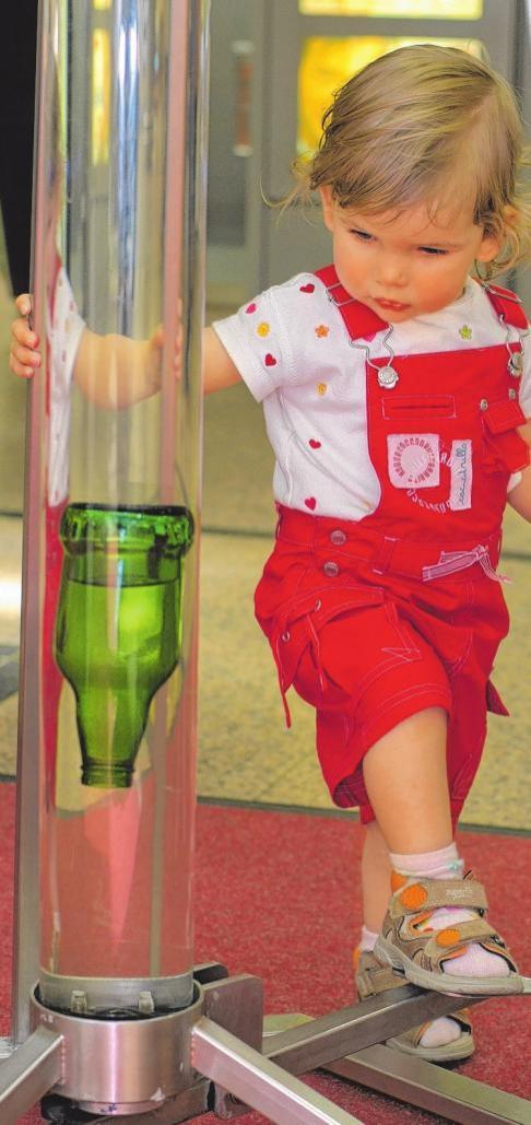 Spielerische Erfahrungen mit dem Element Wasser können schon die Kleinsten vom 2. bis 13. Oktober machen. FOTO: HFR