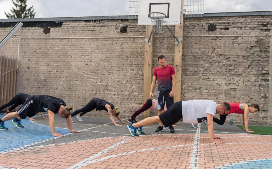 ADIDAS RUNBASE - Workout für Alle Image 3