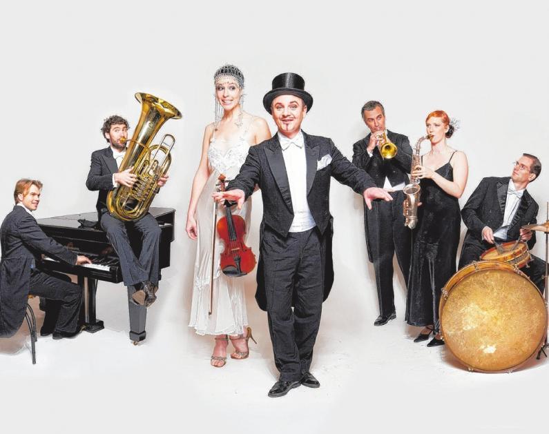Das CASANOVA SOCIETY ORCHESTRA kommt am zweiten Weihnachtstag ins Theater nach Putbus.FOTOS (2): AGENTUR