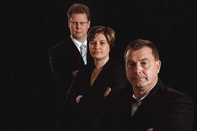 Die Rechtsanwälte Tilmann Maeß, Assia Schlenzka und Manfred Heller (v.li.). FOTO: RECHSTANWÄLTE MAESS|HELLER | SCHLENZKA