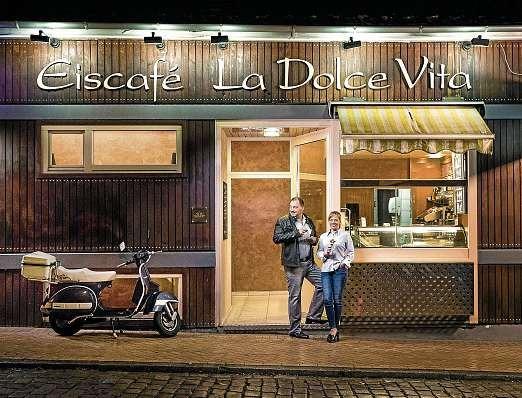 Authentisches italienisches Lebensgefühl – nicht nur hinter dem Eistresen: Mario und Scotia Spagnuolo, Inhaber von La Dolce Vita. FOTO: PEPE LANGE