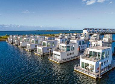 Schwimmende Häuser im Ostsee-Resort Olpenitz HELMA FERIENIMMOBILIEN