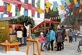 1982 startete der Hoigarten (Weihnachtsmarkt) beim Alten Rathaus mit zwölf, von der Vorstandschaft selbst gebauten Häusle. Später folgt der Umzug auf den Schrannenplatz und die Zahl der Buden wuchs bis auf 40 an.