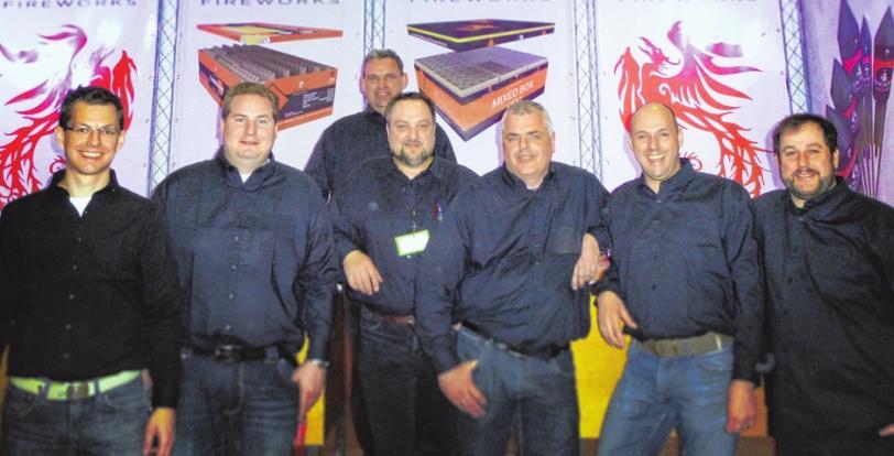 Das niederländische Team eröffnet den zweiten Festivaltag HERON FIREWORKS