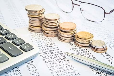 Ein bestimmter Teil der Rente bleibt steuerfrei. Foto: vinnstock/adobe