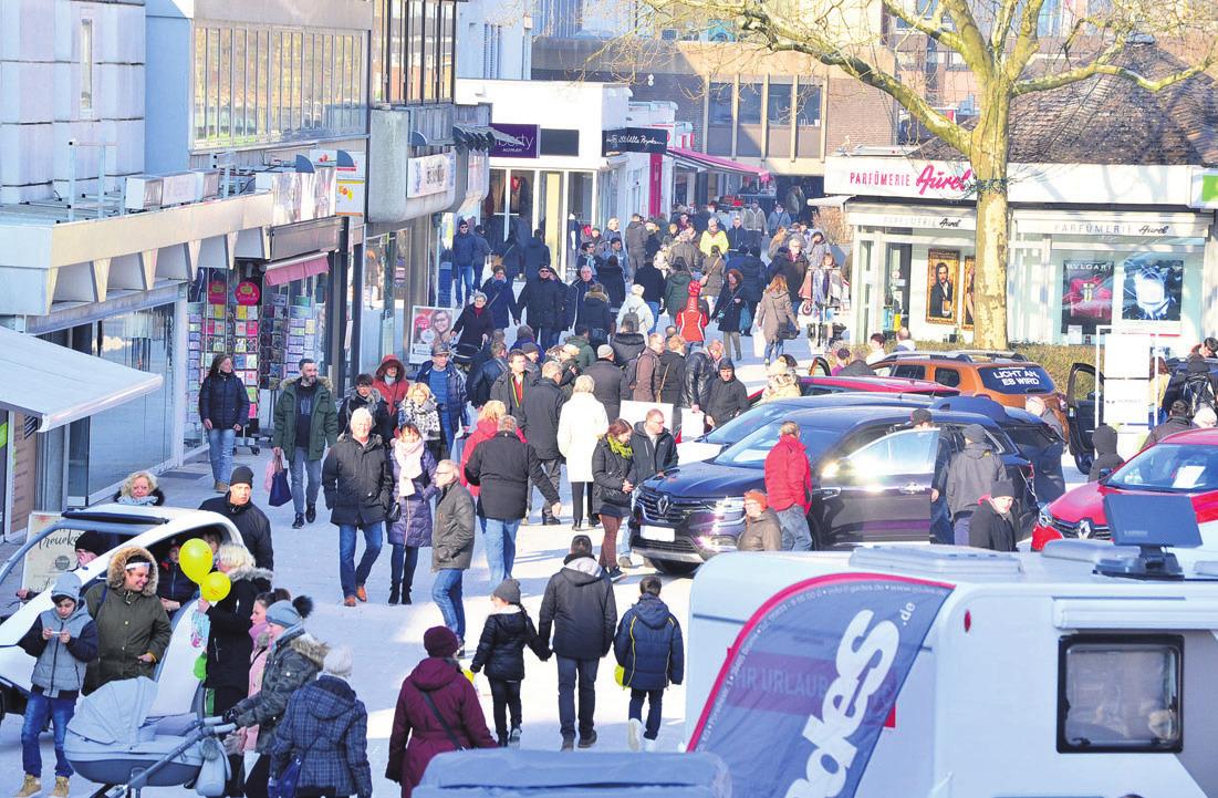 Volle Innenstadt: Am Wochenende lockte der erste verkaufsoffene Sonntag des Jahres die Menschen zu tausenden in die Wolfsburger Innenstadt.