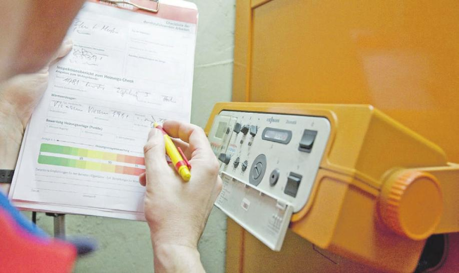 Wie bei einer Ampel kann der Kunde im Protokoll des Heizungs-Checks erkennen, ob das Ergebnis im gelben oder sogar roten Bereich liegt. Foto: djd/ZVSHK