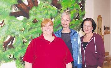 Sie kümmern sich um die TuRBO-Kunden: Leiterin Simone Neumann-Baumgarten (v. l.), Praxismanagerin Daniela Otte und Empfangsdame Simone JedvajFoto: Tina Jordan