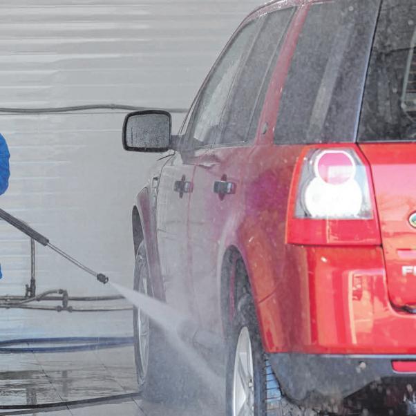 KFZ Profis in der Region: Fahrzeugaufbereitung Image 2