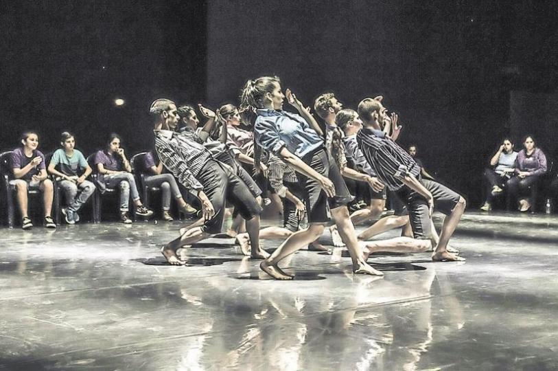 """360°"" Kibbutz Contemporary Dance Company 2 (KCDC 2), Kibbutz Ga'aton Foto: Eyal Hirsch"