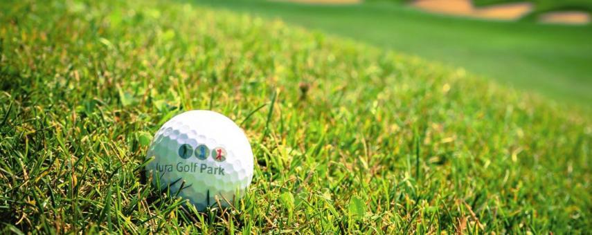 Jura Golf Park mit seinen 45 Golfbahnen Image 6