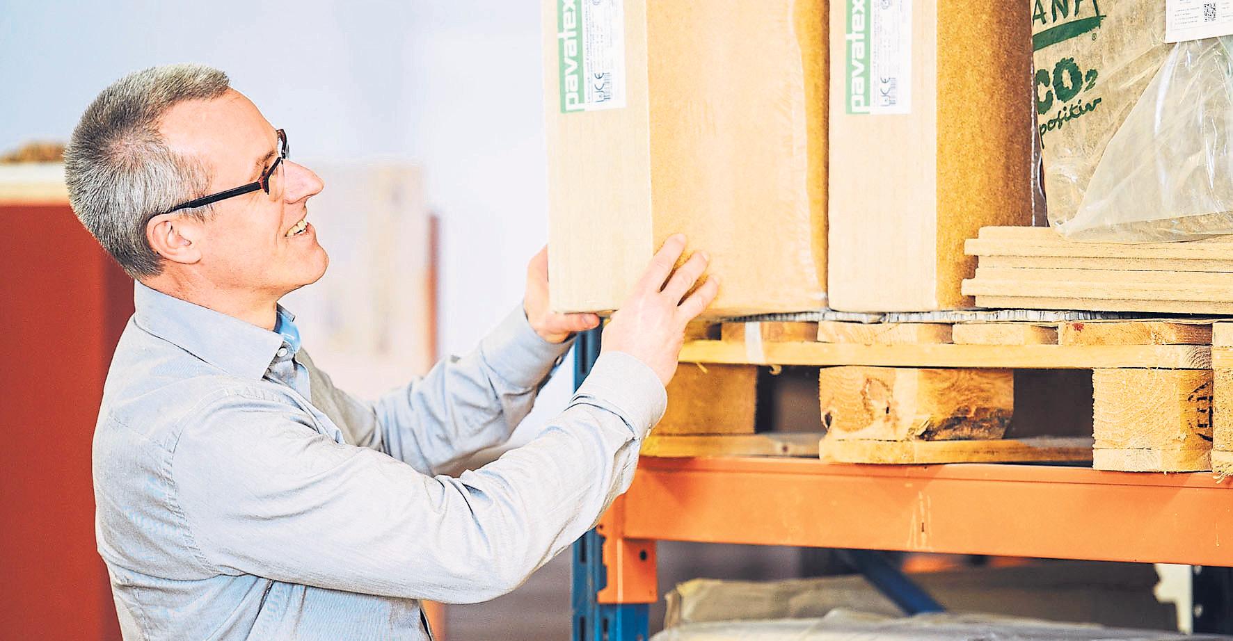 Ob Baumaterialien hohen Nachhaltigkeitsstandards entsprechen, kann man per Servicedatenbank einfach ermitteln. Foto: djd/natureplus