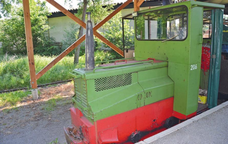 Mit der Moorbahn geht es auf den rund sechs Kilometer langen Rundkurs.