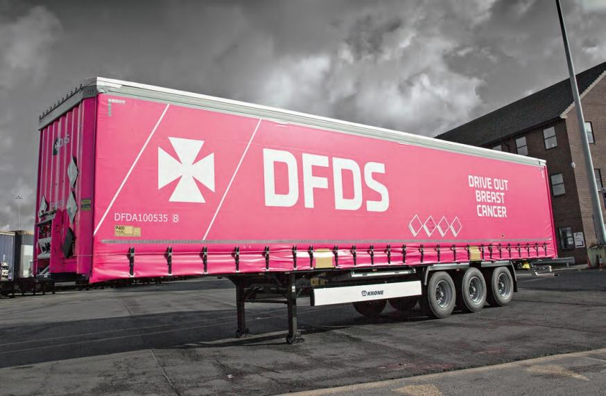 This Krone Trailer collects money with every kilometre driven, for an educational campaign against breast cancer, which is supported by DFDS.