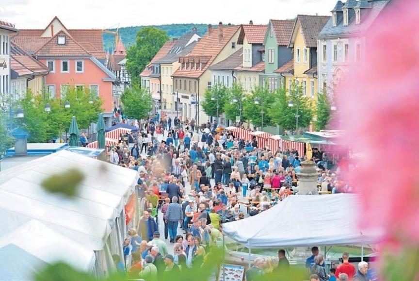 Einen tollen Tag können die Besucher am Sonntag in der Therme-Stadt erleben. Foto: Rosenbusch