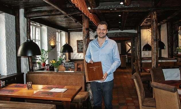 Alexander Pokorny, Inhaber vom Steak-House Nr. 1, ist immer auf der Suche nach besonderen Fleisch-Spezialitäten. FOTO: HFR
