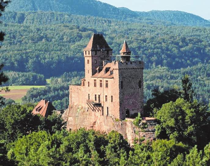 Die sagenumwobene Felsenburg ist für Geschichtsinteressierte immer einen Besuch wert.Bild: Berwartstein