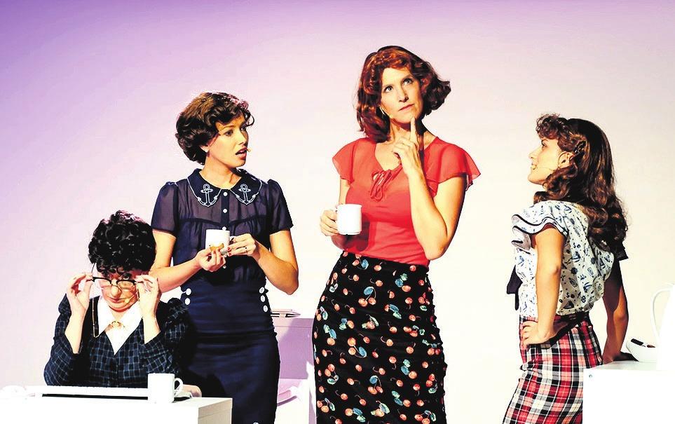"""""""Das Büro"""" kommt – mit viel Humor – zurück auf die Bühne im Hallenbad. Foto: Janina Snatzke"""
